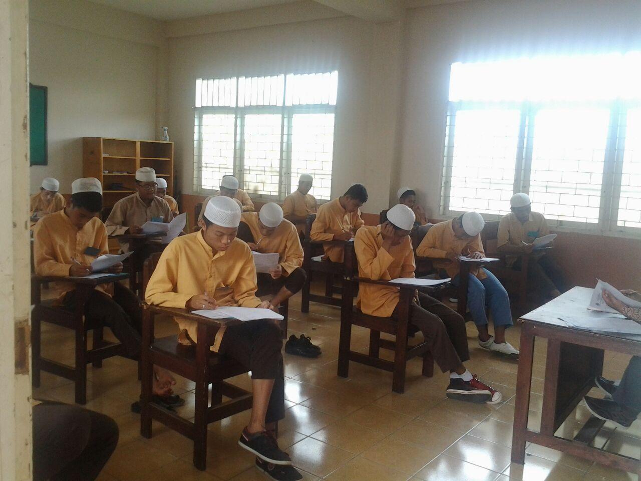 Santri SMA IA